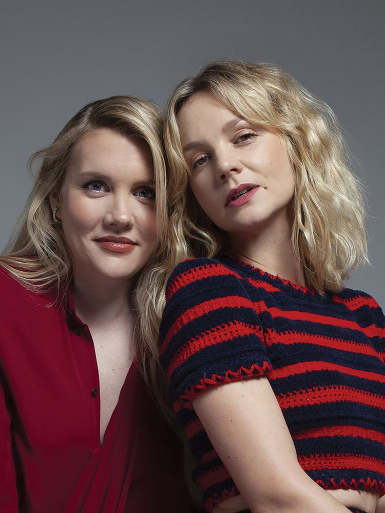 Emerald Fennell, Carey Mulligan are posing for a picture