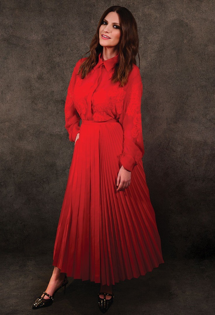 Laura Pausini in a red dress