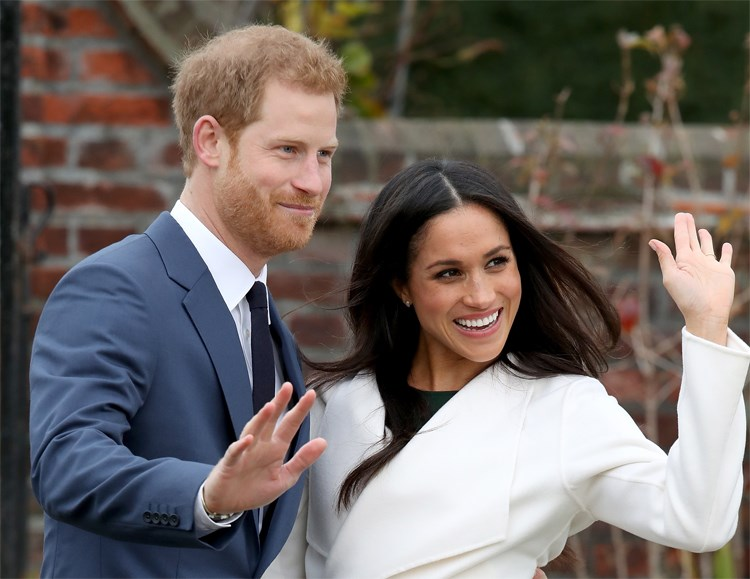Meghan Markle, Prince Harry are posing for a picture
