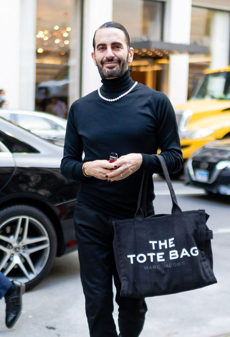 Marc Jacobs walking down the street