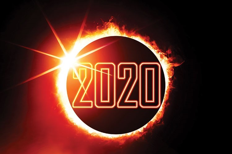 2020 inscription written in front of the sun