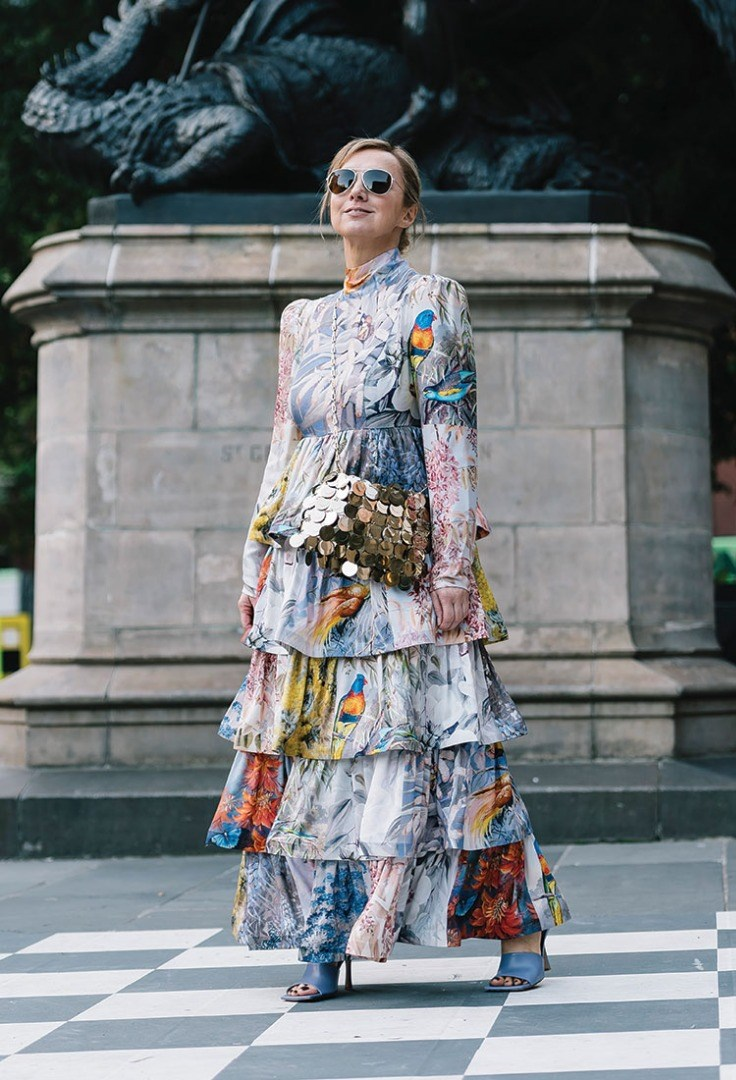 a person in a dress