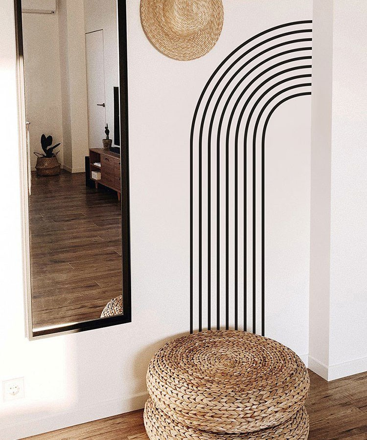 a mirror in a room